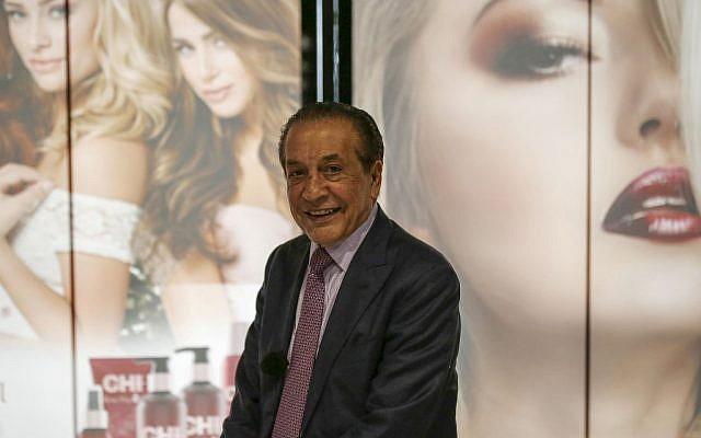 Farouk Shami, magnat de l'industrie des cosmétiques américano(palestinien, à l'institut de formation de coiffeurs qu'il a fondé à  Beitunia, près de Ramallah, en Cisjordanie, le 25 avril 2019 (Crédit : ABBAS MOMANI / AFP)