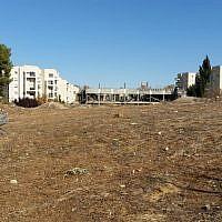Le site de Jérusalem connu sous le nom de casernes d'Allenby à la fin de l'année 2016 (Crédit :Raphael Ahren/TOI)