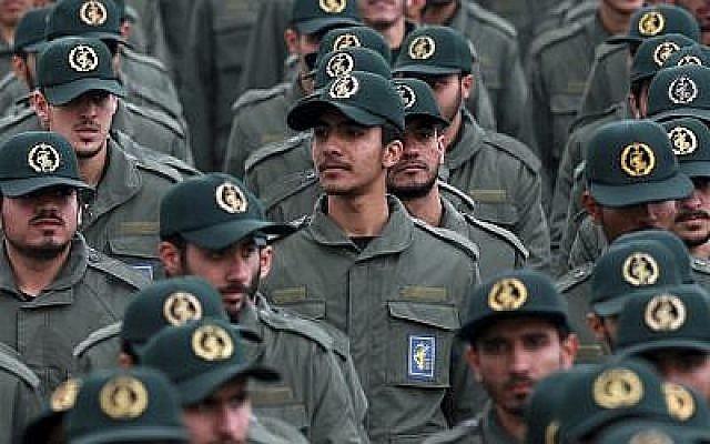 Les membres des Gardiens de la Révoluiton à une cérémonie célébrant le 40e anniversaire de la révolution islamique place Azadi à Téhéran, le 11 février 2019. (Crédit : AP/Vahid Salemi)