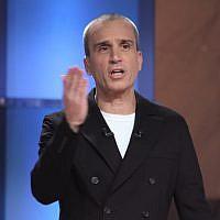 Le présentateur israélien de télévision Avri Gilad, le 2 février 2011 (Crédit : Oren Nahshon/Flash 90/File)