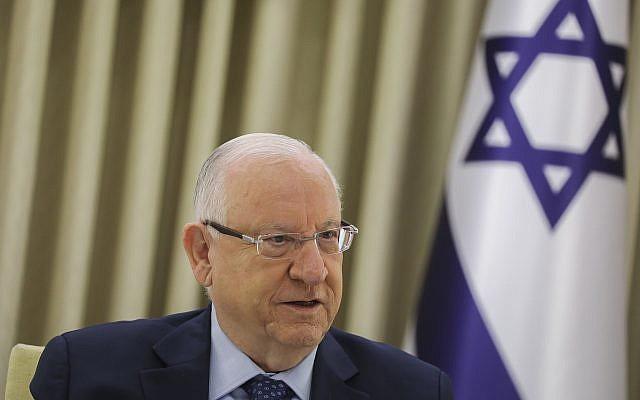 Le président Reuven Rivlin rencontre des représentants des partis à la résidence du président de Jérusalem, le 16 avril 2019 (Crédit : Noam Revkin Fenton/Flash90)