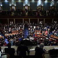 Les membres du Congrès avant le début du 116e congrès, à Washington DC, le 3 janvier 2019. (Crédit : Brendan SMIALOWSKI / AFP)