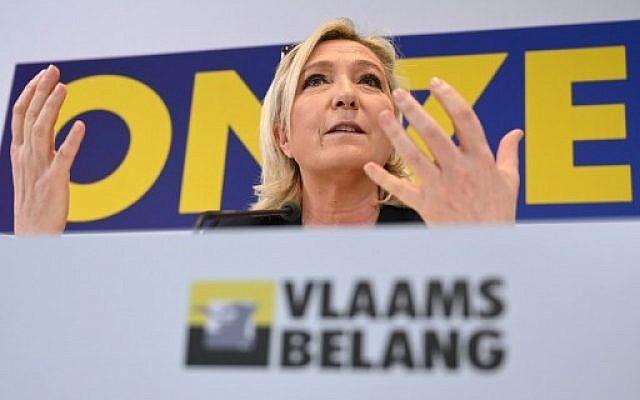 La présidente du parti du Rassemblement national de l'extrême-droite française,  Marine Le Pen, s'exprime lors d'une conférence de presse en soutien au parti belge flamand Vlaams Belang avant les élections européennes à Bruxelles, le 5 mai  2019 (Crédit :  EMMANUEL DUNAND / AFP)