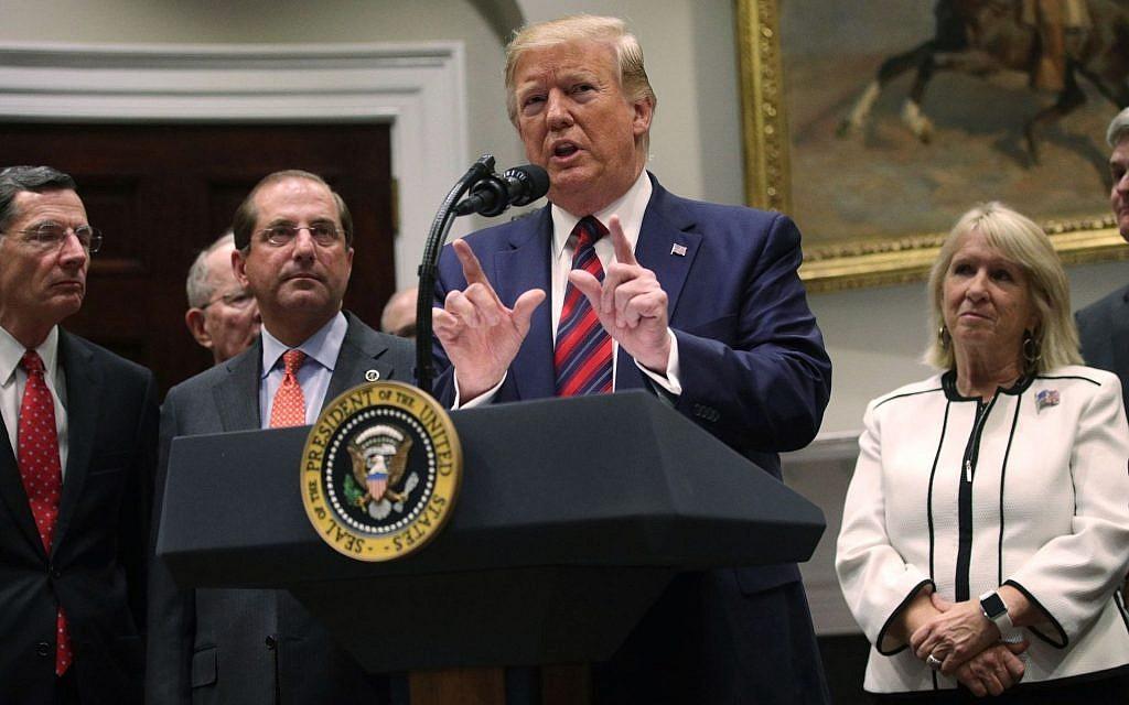 Le président américain Donald Trump prend la parole lors d'un événement organisé dans la salle Roosevelt à la Maison Blanche, le 9 mai 2019. (Alex Wong/Getty Images via JTA)