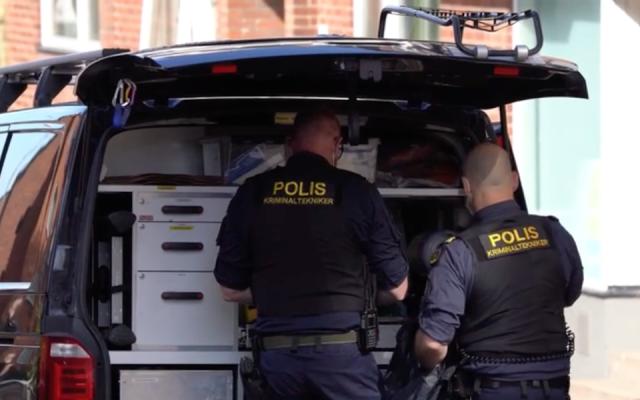 Capture d'écran d'une vidéo de la police suédoise sur les lieux d'une attaque au couteau contre une femme juive à  Helsingborg, le 14 mai 2019 (Capture d'écran   Aftonbladet via JTA)
