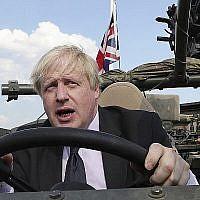 Le nouveau Premier ministre britannique Boris Johnson, à Varsovie, en Pologne, le 21 juin 2018 (Crédit : AP Photo/Czarek Sokolowski)