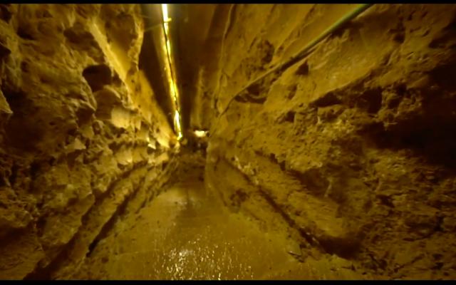 Tsahal dévoile ce qu'il affirme être le plus long tunnel d'attaque transfrontalier creusé par le Hezbollah depuis le Liban vers Israël, le 29 mai 2019. (Tsahal)