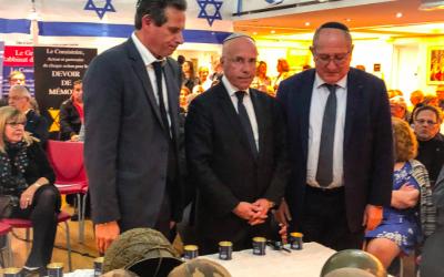 Eric Ciotti, député et conseiller départemental du département des Alpes-Maritimes, lors des célébrations de Yom HaAtsmaout, à Nice, le 8 mai 2019. (Crédit photo : Twitter / Eric Ciotti)