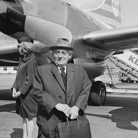 Max Brod en 1965 (Crédit : domaine public)