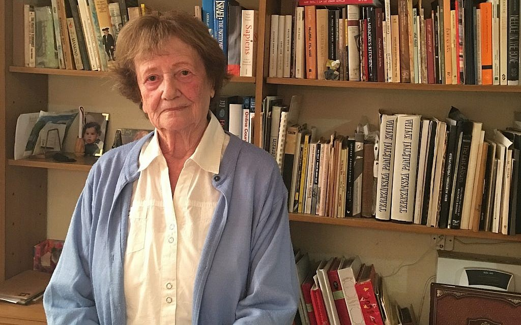Dita Kraus, survivante d'Auschwitz, numéro 73305, chez elle à Netanya. (Autorisation)