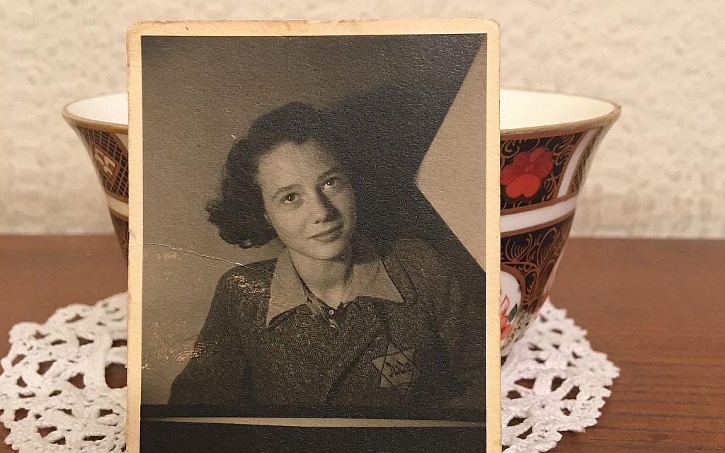Une photo de la survivante d'Auschwitz, Dita Kraus, enfant, portant une étoile jaune. (Autorisation)