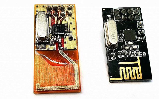 Nano Dimension produit des objets éléctroniques par impression 3D. A droite, un émetteur-récepteur imprimé en 3D, et à gauche, sa version traditionnelle. (Autorisation)