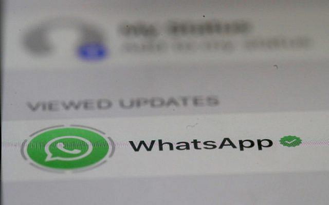 L'application de messagerie WhatsApp est présentée sur un iPhone le 14 mai 2019 à San Anselmo en Californie. (Justin Sullivan/Getty Images)