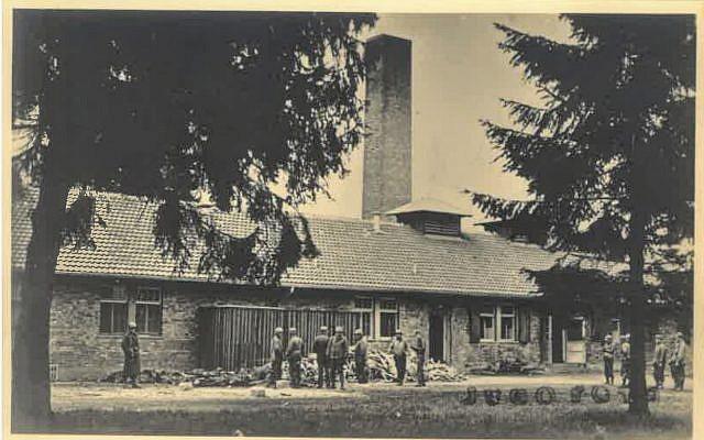Une photographie de la libération du camp de Dachau le 29 avril 1945, dans la collection d'Adrian Aloy, agent belge anti-Nazi sous couverture. (Maison d'enchères Kedem)
