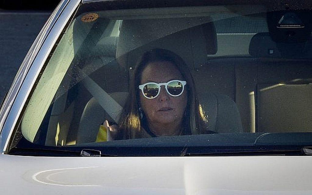 La police recommande l'inculpation de la femme la plus riche d'Israël