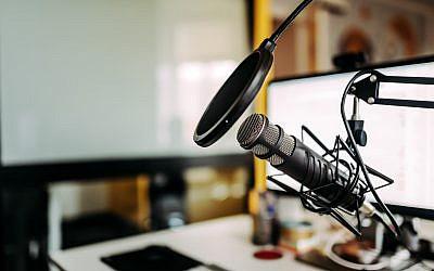 Illustration : un studio de podcast. (Crédit : iStock)