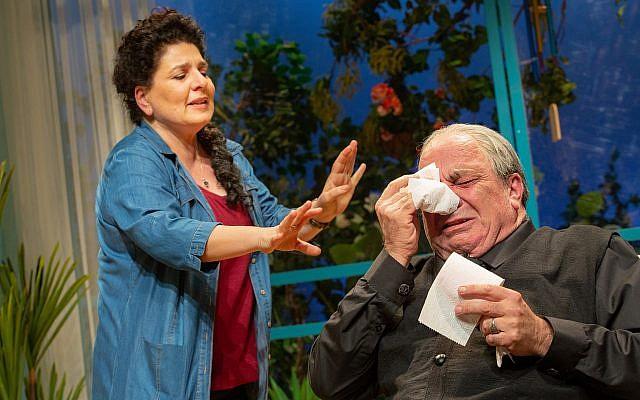 """Le théâtre Khan de Jérusalem présente """"Oh God"""" d'Anat Gov (Crédit :Yael Ilan)"""