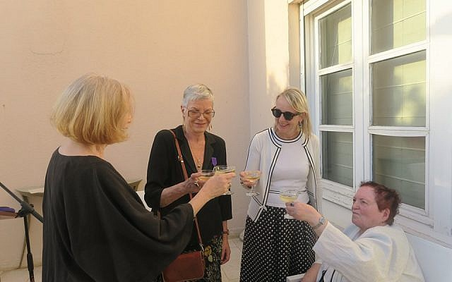 Hélène Le Gal, ambassadrice de France en Israël, lors de la cérémonie de remise de Palmes académiques à trois éminentes traductrices israéliennes, le lundi 27 mai, à la résidence de France à Tel Aviv. (Crédit photo : Nathan Cahn / Ambassade de France)