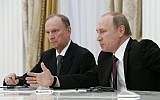 Le président russe Vladimir Poutine, (à droite), accompagné du secrétaire du Conseil de sécurité Nikolaï Patrouchev, rencontre les hauts responsables des pays du BRICS chargés des questions de sécurité, au Kremlin à Moscou, Russie, le 26 mai 2015. (Sergei Karpukhin/Pool Photo via AP)