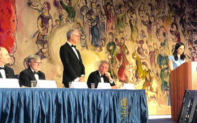 Jean-François Le Gall,mathématicien français, qui exerce à l'Université Paris-Sud depuis 2006, lors de la remise des médailles du prix Wolf, le 30 mai 2019, dans le hall Chagall de la Knesset, à Jérusalem. (Crédit photo : Hélène Le Gal / Twitter)