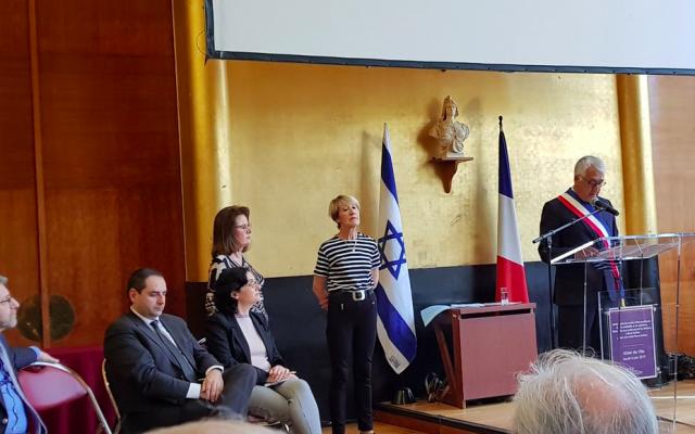 Pierre-Christophe Baguet, le maire de Boulogne-Billancourt (Hauts-de-Seine), lors de la cérémonie à la mémoire de Pierre Delbos, qui s'est vu décerner le titre de Juste parmi les nations, le 6 juin 2019. (Crédit photo : YadVashemFrance / Twitter)