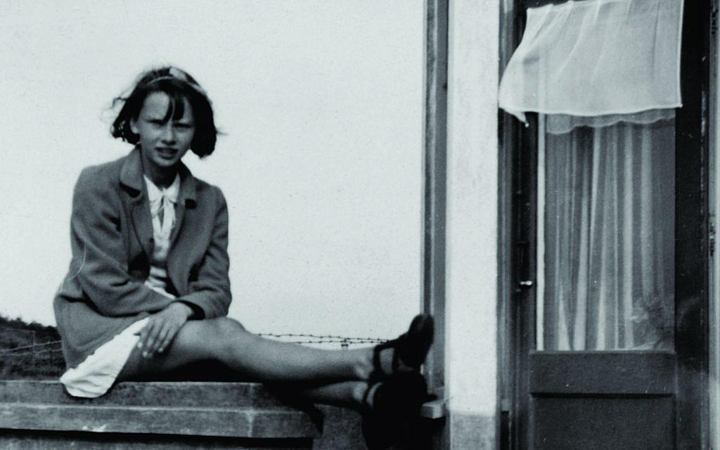 Audrey Hepburn au début de la période environ de l'occupation allemande aux Pays-Bas -Crédit : Collection Dotti)