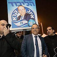 Ayoub Kara, député du Likud à la Knesset, au bureau de vote du Likud à Jérusalem pour les primaires du parti le 5 février 2019. (Noam Revkin Fenton/Flash90)