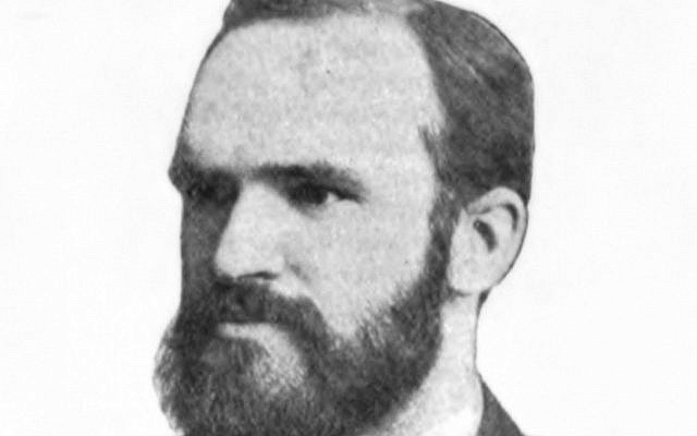 Melvil Dewey, 1851-1931, inventeur du système de classification des livres éponyme, en 1891. (Crédit : Wikimedia Commons/Public Domain)