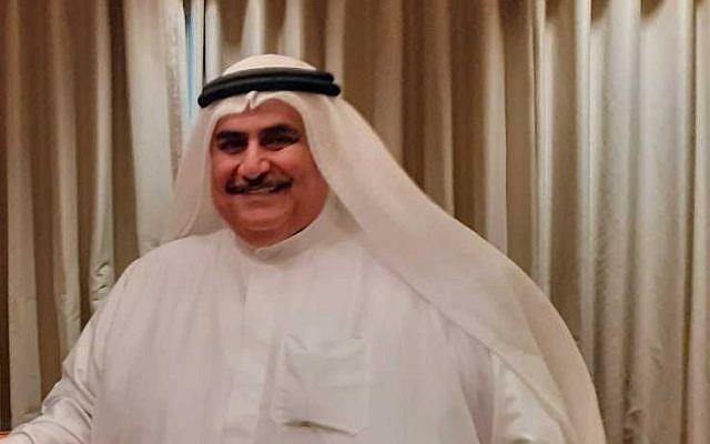 Le ministre des Affaires étrangères du Bahreïn Khalid bin Ahmed Al Khalifa s'entretient avec le Times of Israël en marge de l'atelier de Paix et de Prospérité à Manama, au Bahreïn, le 26 juin 2019. (Courtesy)