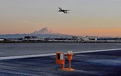 La solution de sécurité pour les pistes d'aéroport développée par Xsight Systems est déployée sur une piste de l'aéroport international Seattle Tacoma.
