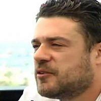 Le hacker franco-israélien Gregory Chelli dans une interview à la Deuxième Chaîne, en juillet 2017. Captrue d'écan : Channel 2)