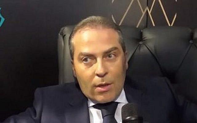 L'homme d'affaire syrien Samer Foz (Crédit : capture d'écran YouTube)