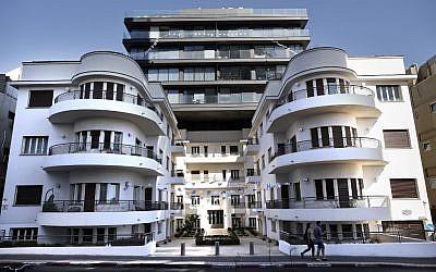 La maison Reisfeld, un bâtiment de style Bauhaus construit en 1935 par l'architecte Pinchas Bijonsky, le 9 mai 2019 à Tel Aviv. (Crédit photo : THOMAS COEX / AFP)