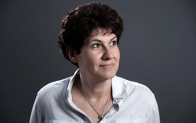 Daniela Touati, quatrième femme rabbin à exercer en France. (BERTRAND GUAY / AFP)