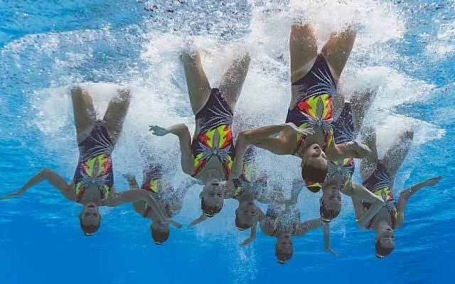 L'équipe d'Israël de natation synchronisée lors des championnats du monde de natation 2019 de Gwangju, en Corée du Sud, le 14 juillet 2019. (Crédit : François-Xavier MARIT / AFP)