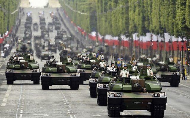 La parade militaire du 14 juillet 2019, sur l'avenue des Champs-Elysées, à Paris. (Crédit photo : Lionel BONAVENTURE / AFP)