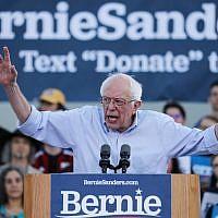 Le candidat démocrate à la présidence et sénateur américain Bernie Sanders (indépendant du Vermont) prend la parole lors d'un rassemblement électoral le 26 juillet 2019 à Santa Monica, Californie. (Mario Tama/Getty Images/AFP)