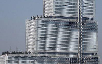 Le parquet national financier occupe le 20ème étage du Tribunal de Paris, dans le treizième arrondissement. (Crédit : Wikilmedia)