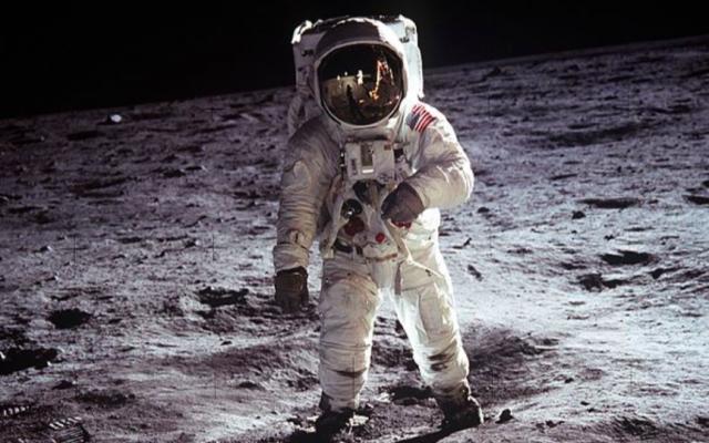 Apollo 11 (Crédit : NASA/Domaine public)