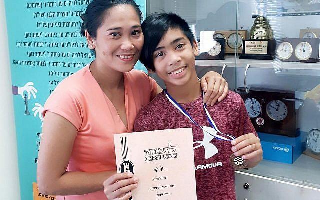 Ofrecina (Precy) Koanka et son fils ayant des troubles cognitifs Michael James, connu sous le nom de MJ, 12 ans. (Capture d'écran)