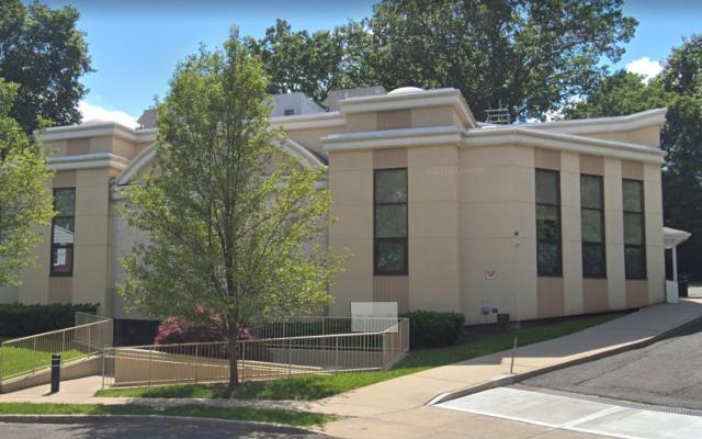 La synagogue Young Israel à Teaneck, New Jersey. (Crédit : capture écran / Google Maps)
