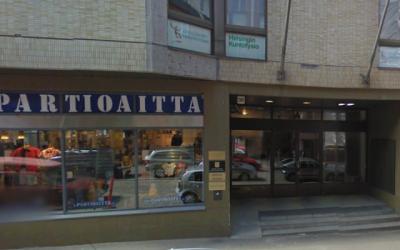 Une vue de l'extérieur de l'ambassade d'Israël à Helsinki, en Finlande. (Capture d'écran via Google Street View/via JTA)