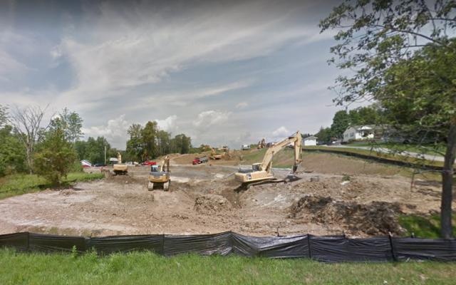 Des travaux de construction au Greens de Chester développement à Chester, New York, août 2018. (Google Maps)