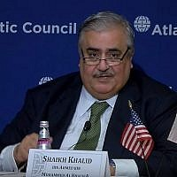 Le ministre des Affaires étrangères bahreïni  Khalid bin Ahmed Al Khalifa à l'Atlantic Council de Washington, le 17 juillet 2019 (Capture d'écran : YouTube