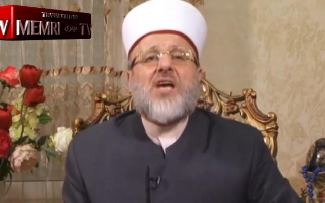 Le docteur Ahmad Shahrouri parle d'Israël et des Juifs sur la chaîne Yarmouk TV, le 14 juillet 2019 (Crédit : MEMRI)