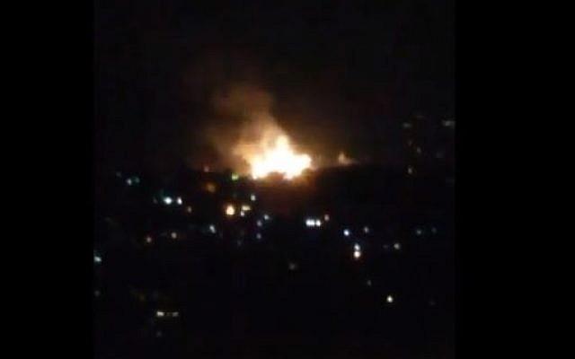 Une explosion près de Damas, le 1 juillet 2019, attribuée à Israël par la Syrie. (Crédit : Twitter)