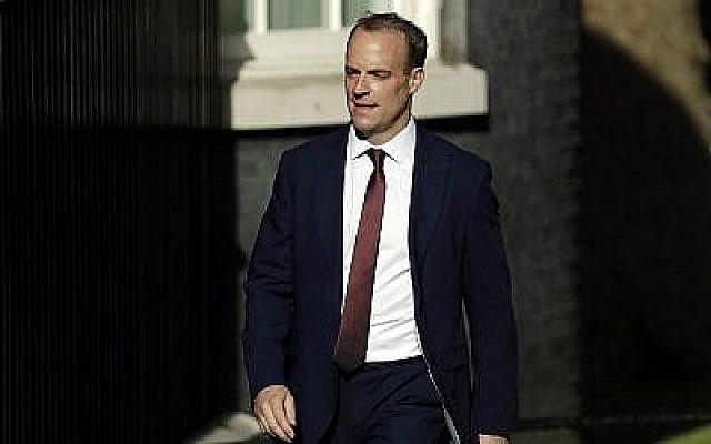 L'actuel ministre des Affaires étrangères Dominic Raab arrive au 10 Downing Street, à Londres, le 24 juillet 2019. (AP Photo / Matt Dunham)