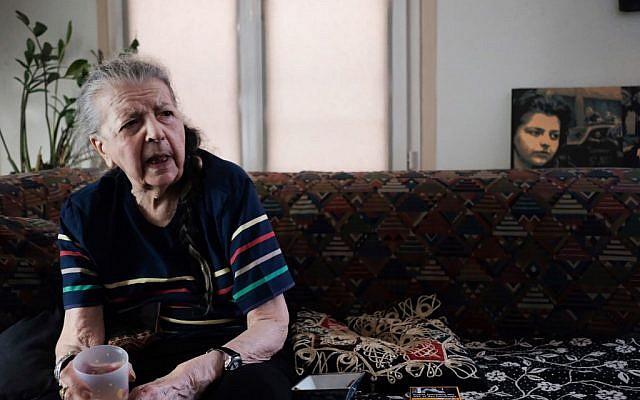 Madeleine Riffaud, 94 ans, parle de la Libération de Paris en 1944, le 26 juillet 2019. (Crédit : Natalie HANDEL / AFP)