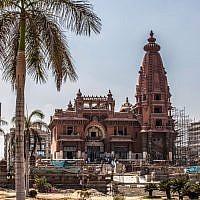 Les travaux de restauration du Palais du Baron Empain, construit par l'industriel Edouard Louis Joseph, au Caire, le 18 août 2019. (Crédit : Khaled DESOUKI / AFP)