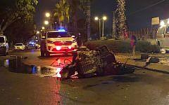 Un accident de voiture mortel à Ashkelon, le 29 août 2019. (Crédit : police israélienne)